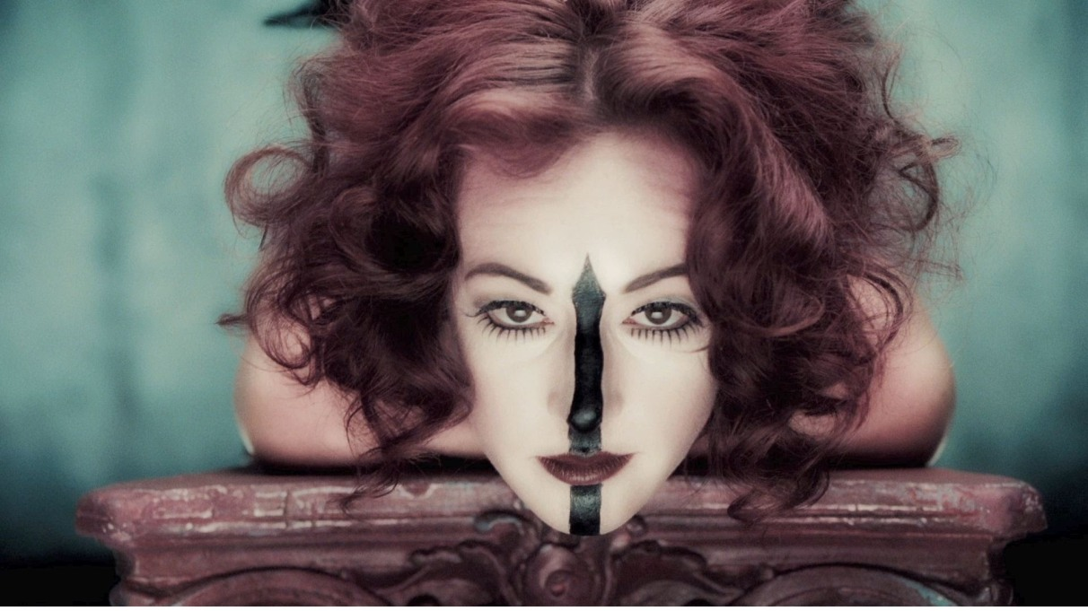 american-horror-story-freak-show-gets-twisted-in-new-teaser-video